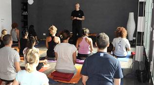 Nasce a Modena la Scuola per insegnanti di yoga
