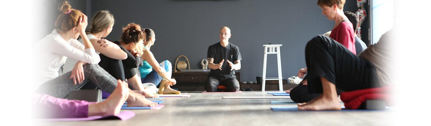 La scuola a Modena per diventare insegnanti di yoga - Metodo AnatomYoga